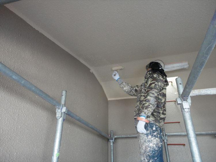 階段室 上裏塗装