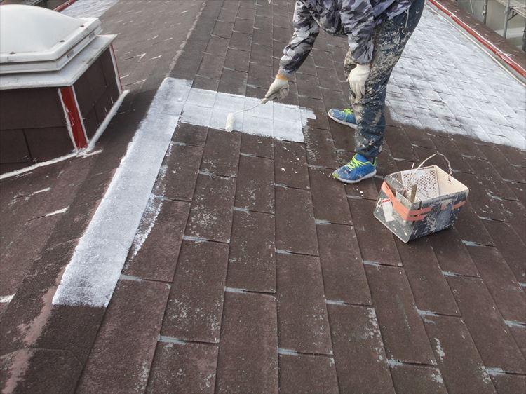アスファルトシングル屋根 プライマー塗り