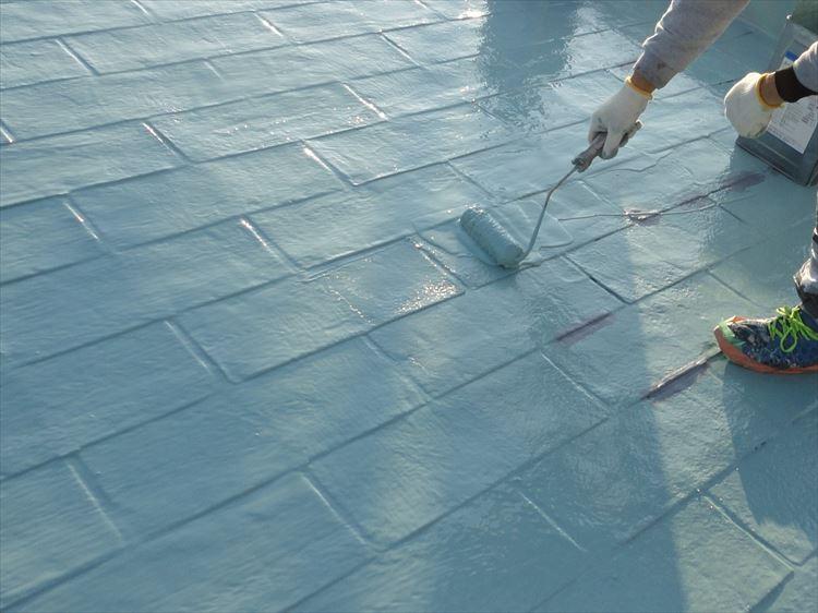 アスファルトシングル屋根部 ウレタン塗膜防水2層目