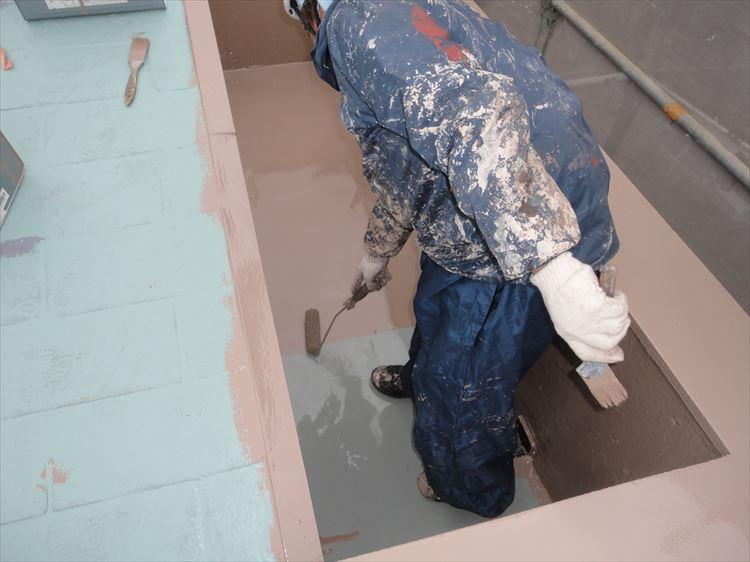 屋根ウレタン部 ウレタン塗膜防水 トップコート上塗り(1回目)