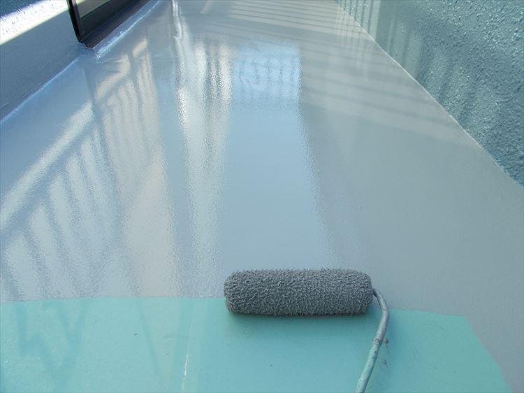 バルコニー防水工事 ウレタン塗膜防水トップコート上塗