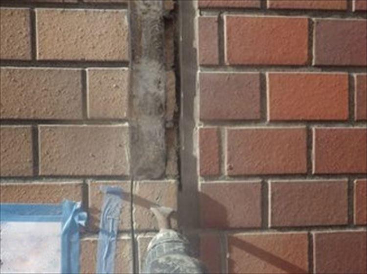 雨漏り補修工事 外壁タイル 割れ補修
